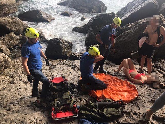 Туристка разбилась, прыгая со скал в море возле грота Шаляпина в Судаке