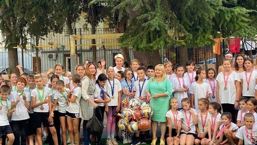 """Вера Маркарян (Ребрик) провела """"Олимпийский урок"""" в одной из- ялтинских школ"""