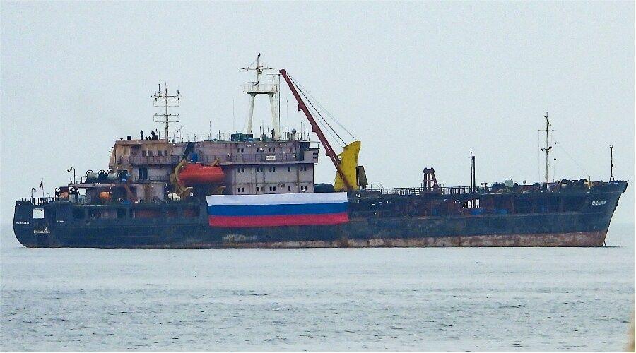 Учебный корабль ВМФ «Смольный» направляется в Севастополь из Средиземноморья