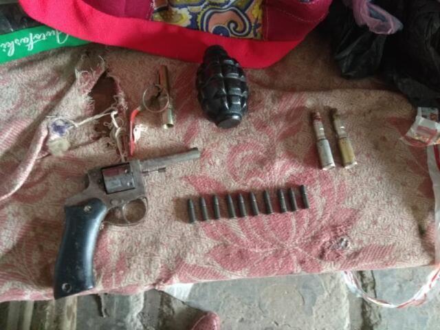 В Крыму рядом с украинской границей обнаружили оружие и боеприпасы