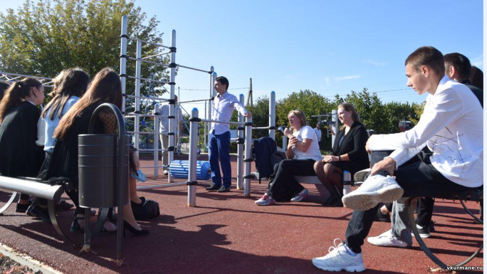 Новая спортивная площадка в с.Пятихатка эксплуатируется на полную силу