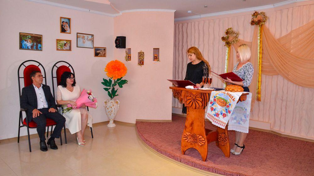 Супруги Борисенко отметили 30-летие семейной жизни