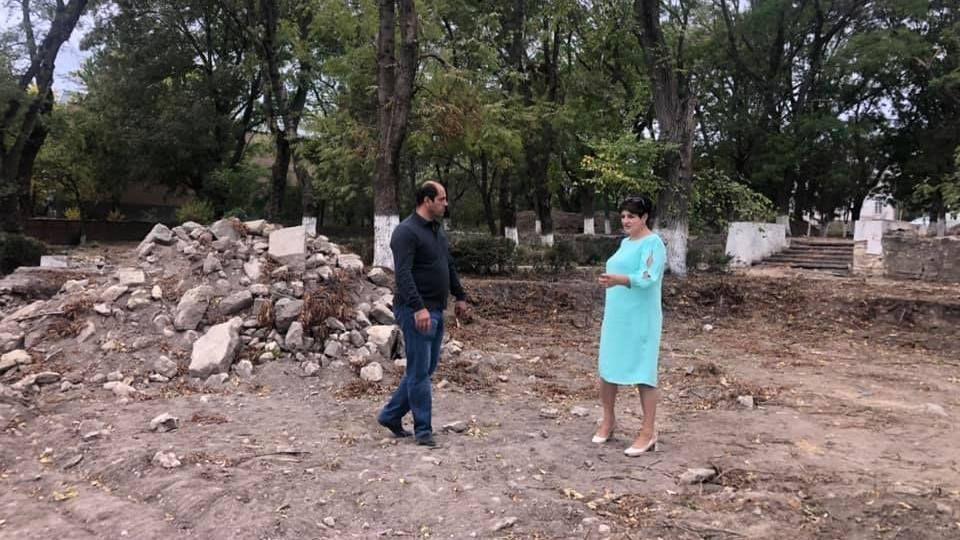 Глава администрации Кировского района Е.М. Янчукова посетила г. Старый Крым с целью контроля выполнения работ на объекте