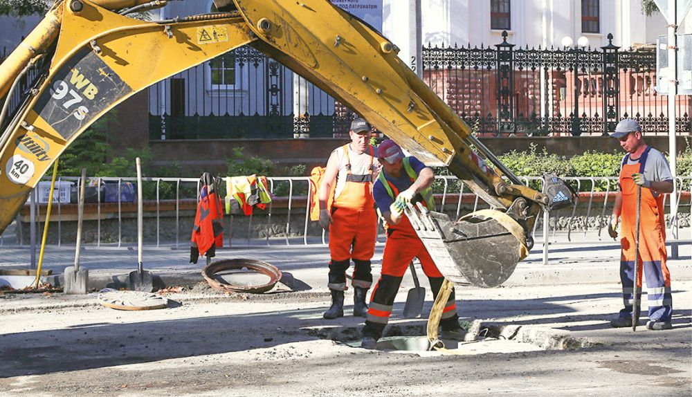 Затянувшийся ремонт центральной улицы Симферополя завершается