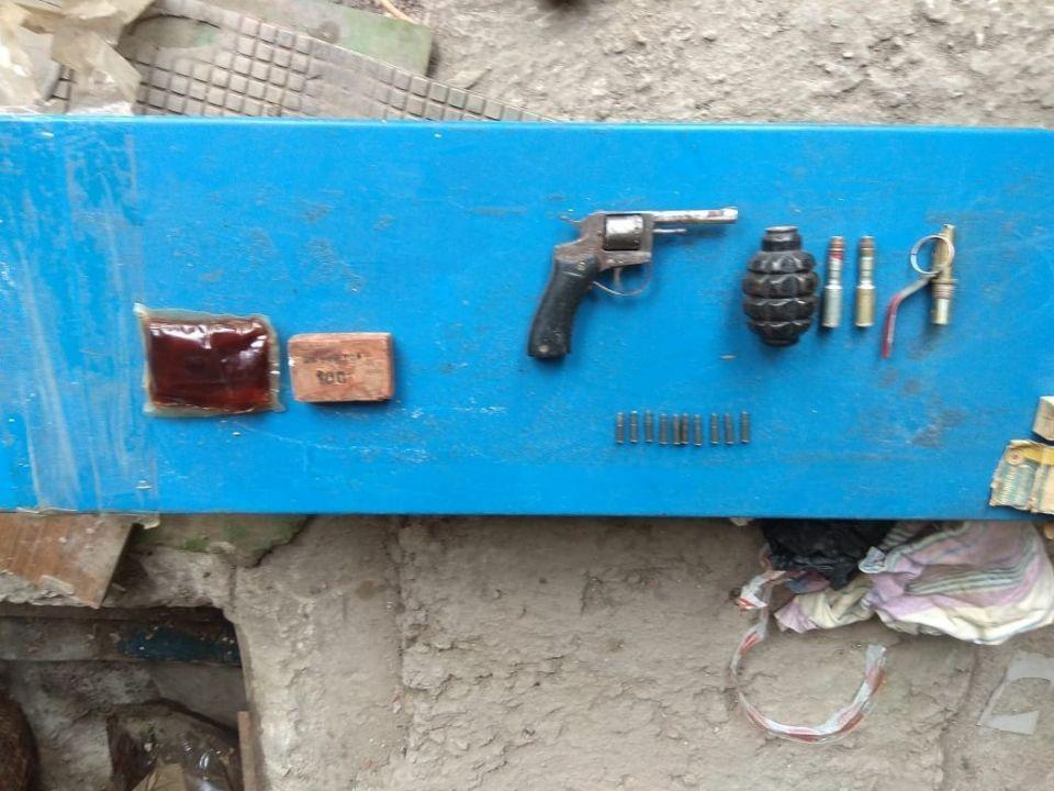 ФСБ изъяла оружие и боеприпасы у жителя Джанкоя
