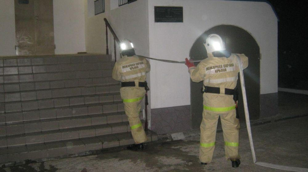 Сотрудники ГКУ РК «Пожарная охрана Республики Крым» ликвидировали условный пожар в храме