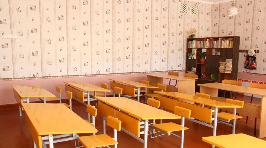 Четыре школы и 74 класса в Крыму закрыты на карантин по COVID-19 и ОРВИ