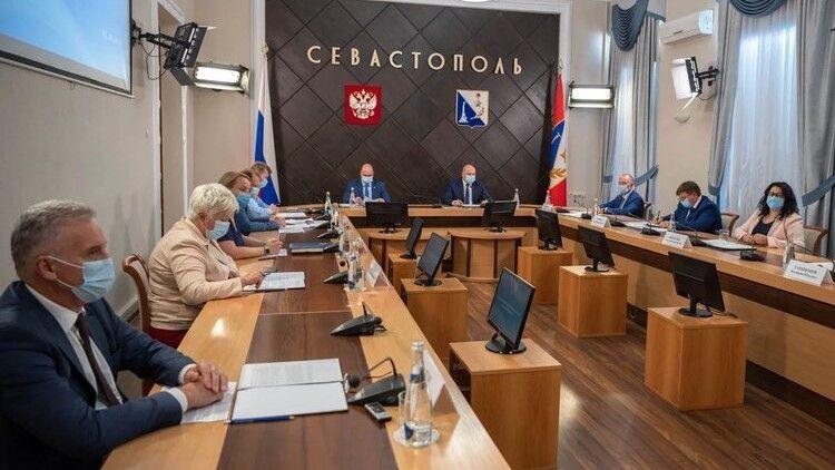 В Севастополе расширен перечень пострадавших из-за коронавируса отраслей