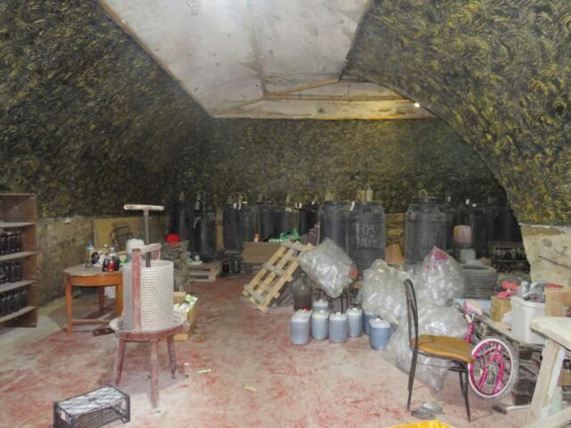 В Судаке накрыли подпольный цех по изготовлению алкоголя с оборотом в 2 млн рублей