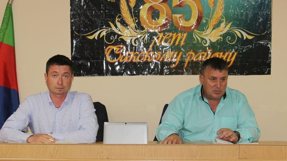 Глава администрации Сакского района Михаил Слободяник провёл рабочее совещание в режиме ВКС с представителями подрядных организаций