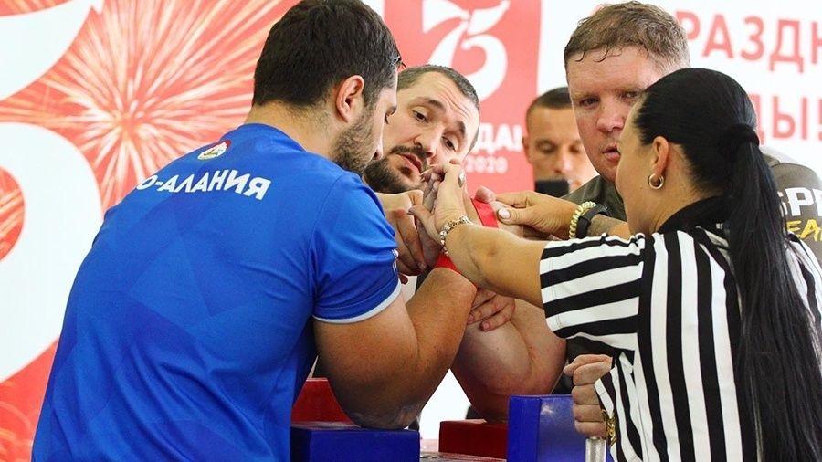 Сборная Московской области – сильнейшая на Кубке России по армрестлингу в Севастополе