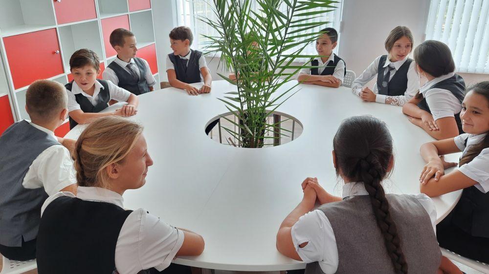 В Республике Крым открылись центры образования цифрового и гуманитарного профилей «Точка роста»