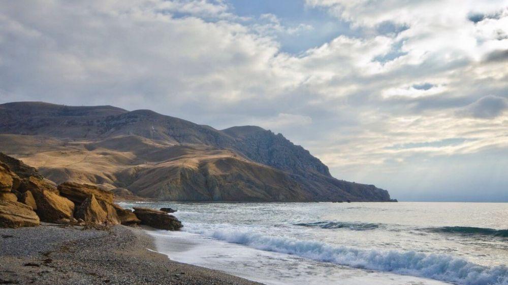 Крымские спасатели оказали помощь туристам в районе мыса Меганом