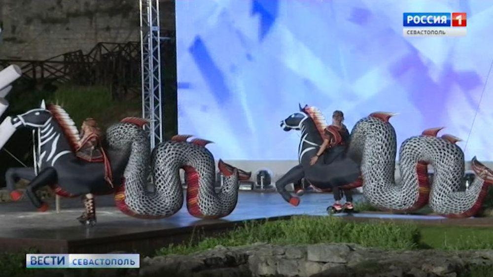 В октябре 5000 севастопольцев увидят спектакль «Грифон» бесплатно