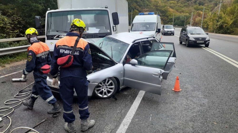 В Крыму при столкновении грузовика с иномаркой погиб один человек