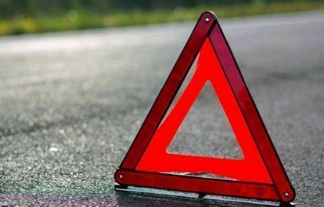 Два человека пострадали в столкновении автобуса с легковушкой в Керчи