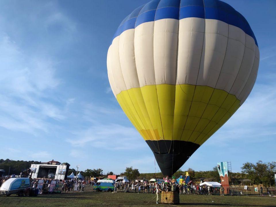 В Балаклаве стартовал фестиваль-праздник сбора урожая и виноделия WineFest
