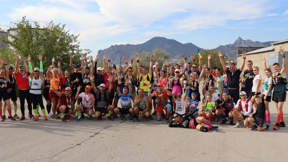 Десятки бегунов-любителей приняли участие в марафоне «Мадера Коктебеля»