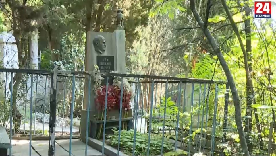 Надгробия разрушены, кресты покосились: Старое кладбище в Гурзуфе находится в удручающем состоянии