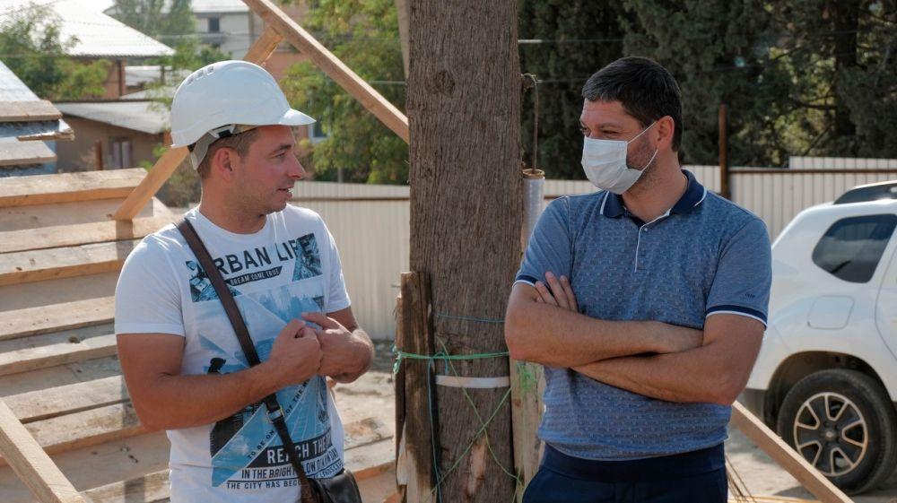 Депутат Госдумы Андрей Козенко оценил ход строительства новой школы и детского сада в Веселом и Морском