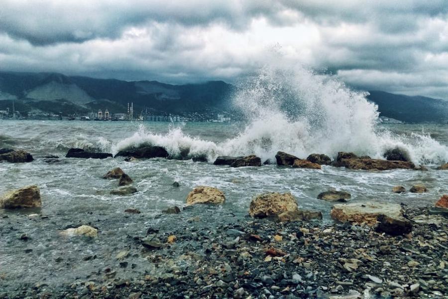 Два судна потерпели бедствие в акватории Севастополя