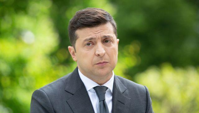 На Украине Зеленскому запретили говорить по-русски на работе