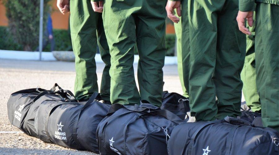 Более двух тысяч крымчан призовут на военную службу осенью