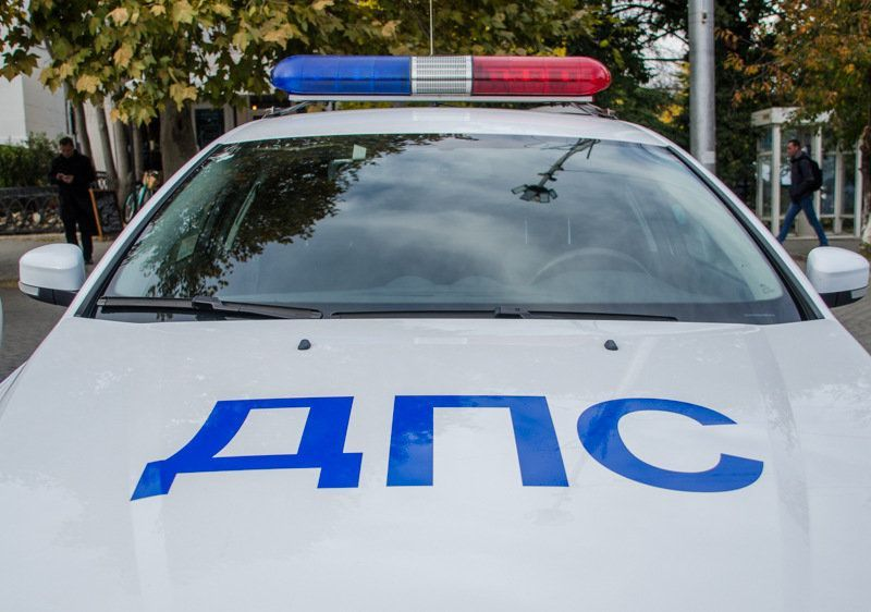 В Севастополе сотрудники ДПС за хранение наркотиков задержали двух человек