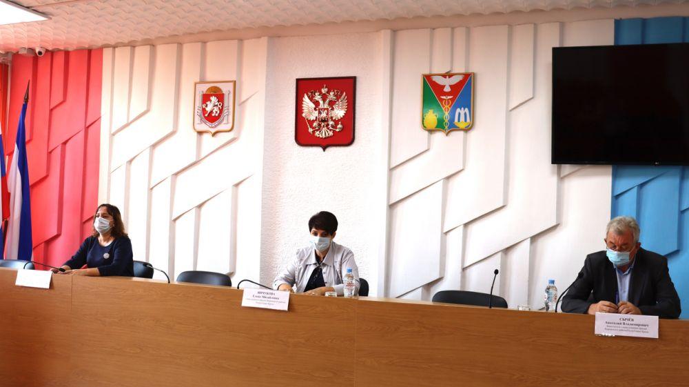 Глава администрации Кировского района Е.М. Янчукова провела рабочее совещание по вопросам дорожной деятельности
