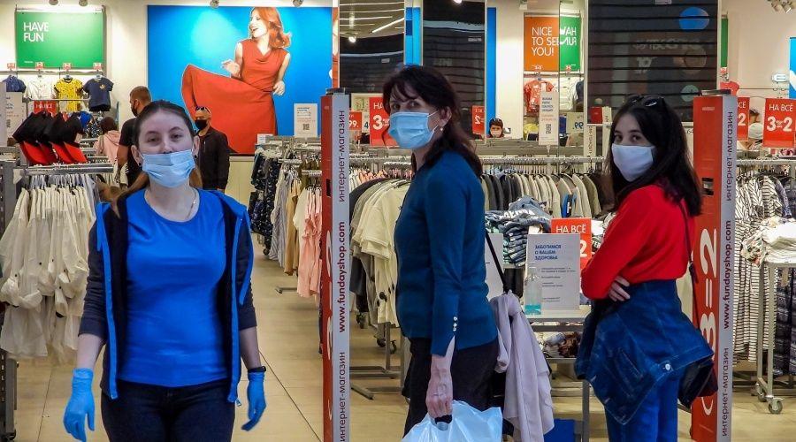 Роспотребнадзор настаивает на законности отказа от обслуживания покупателей без масок