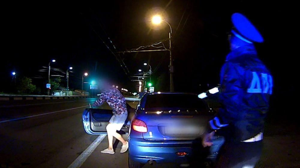 В Симферополе полицейские поймали нетрезвого 19-летнего водителя за рулём