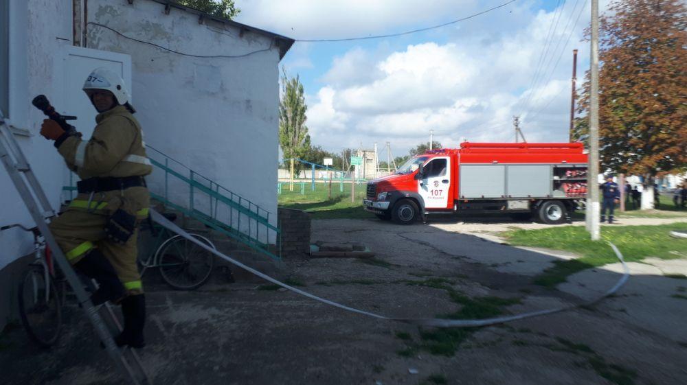 Огнеборцы ГКУ РК «Пожарная охрана Республики Крым» продолжают оттачивать профессиональные навыки на пожарно-тактических занятиях