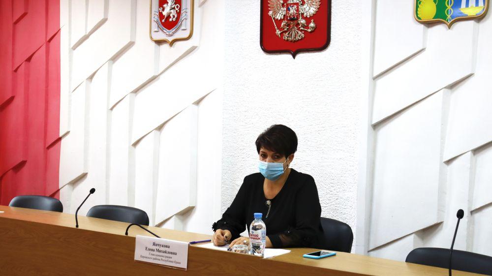 Глава администрации Кировского района Е.М. Янчукова провела плановое аппаратное совещание и заседание оперативного штаба по предупреждению распространения новой коронавирусной инфекции (2019-nCoV)