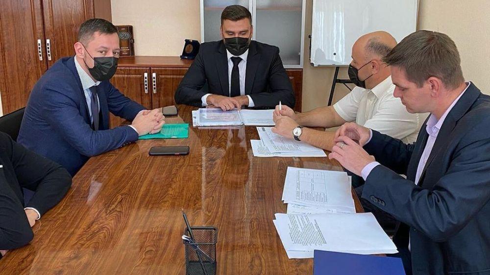 Состоялась встреча по обсуждению этапов реализации инвестиционного проекта «Модернизация дорожно-ремонтного комплекса» в Бахчисарае