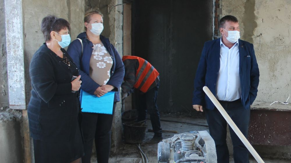 Глава администрации Сакского района Михаил Слободяник посетил сёла Добрушино и Молочное