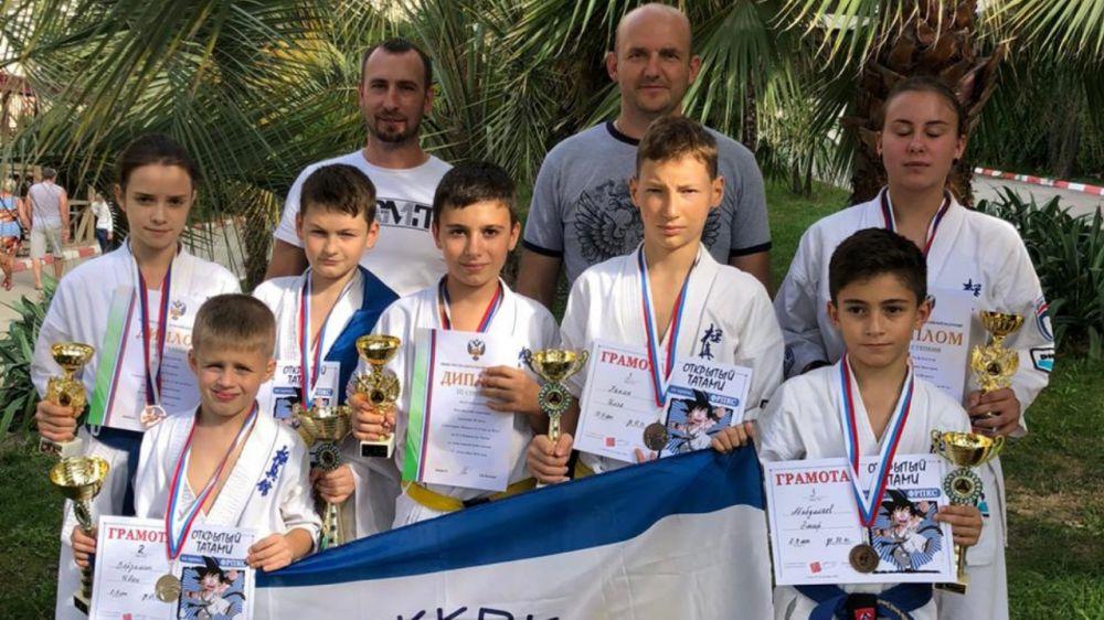 Крымские каратисты завоевали семь медалей на первенстве России