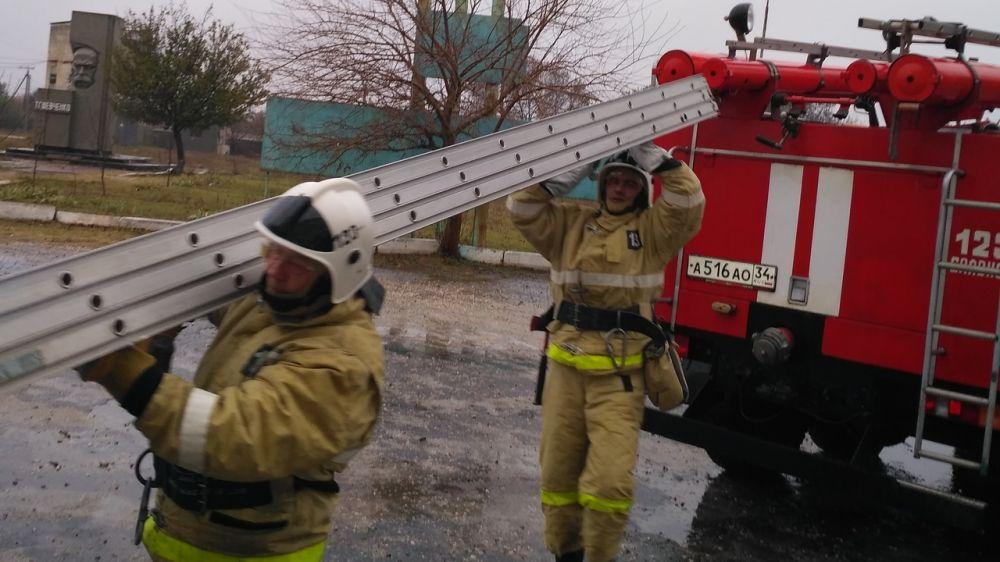 Огнеборцы ГКУ РК «Пожарная охрана Республики Крым» ликвидировали условный пожар в школе Раздольненского района