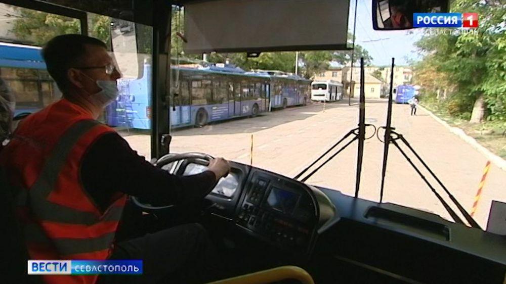 Лучшим водителям автобусов в Севастополе повысят зарплату