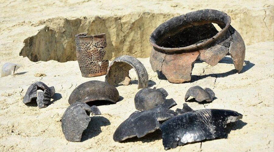 Археологи назвали бессмысленными требования МИД Украины прекратить раскопки в Крыму