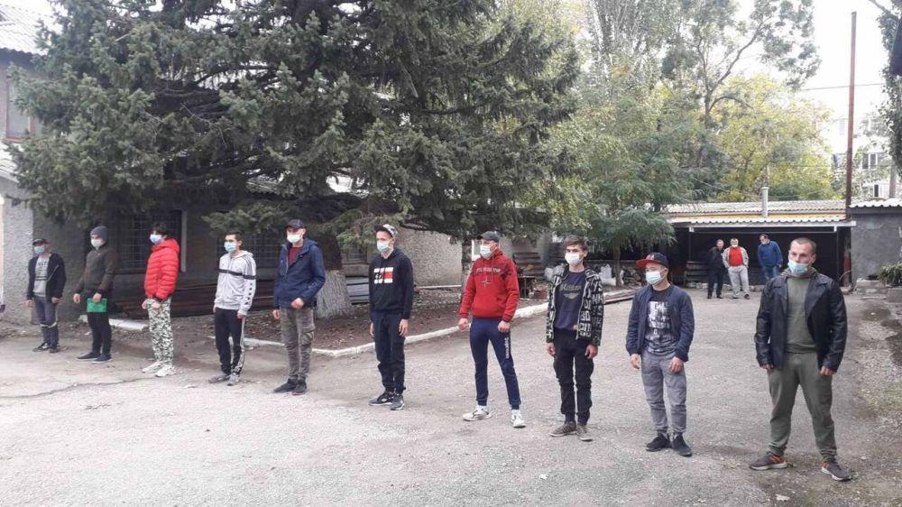 Глава администрации Кировского района Е.М. Янчукова поздравила будущих защитников Родины