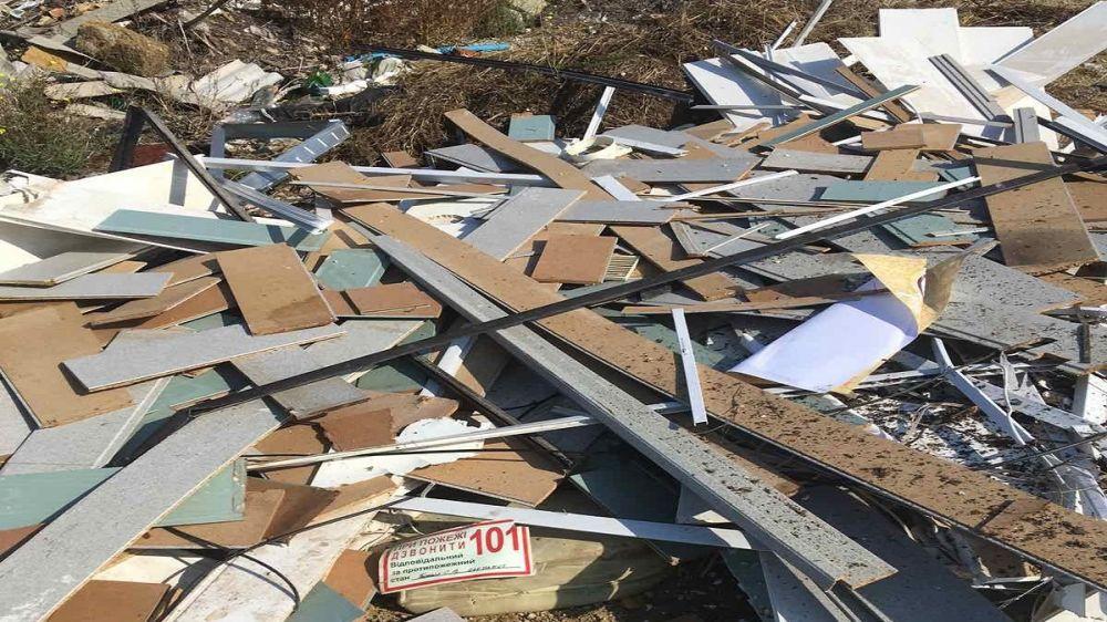 Госинспекторами Минприроды Крыма выявлена несанкционированная свалка строительных отходов на территории Первомайского района