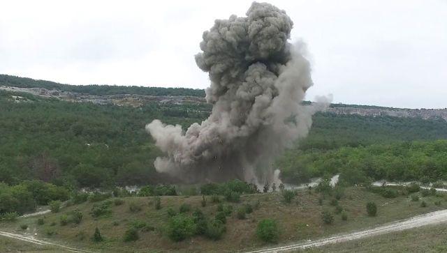 Опасную бомбу в пол центнера взорвали в Севастополе