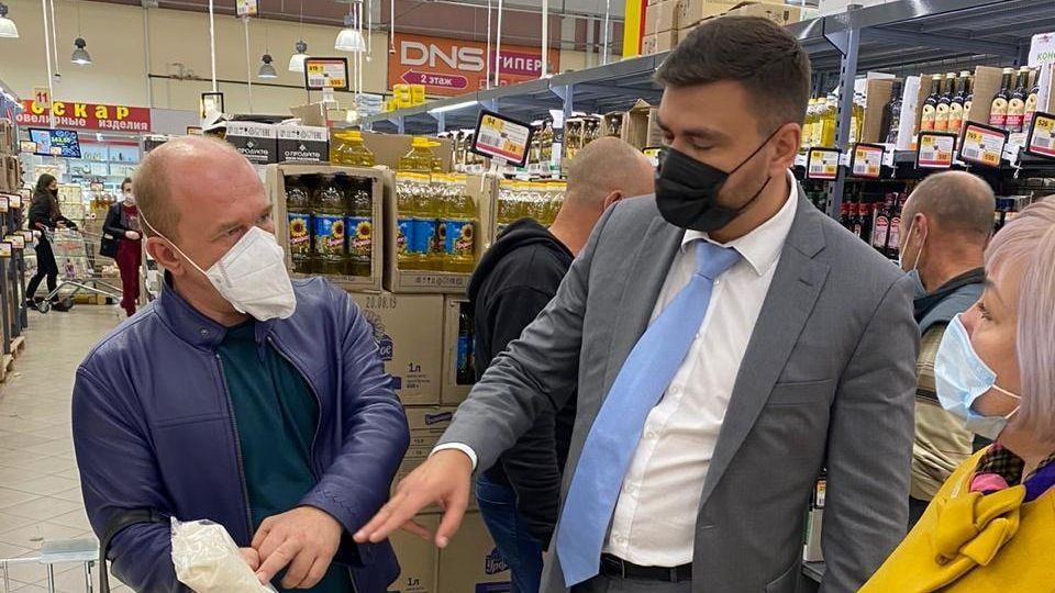 Александр Трянов посетил торговые сети, подписавшие республиканские меморандумы взаимопонимания