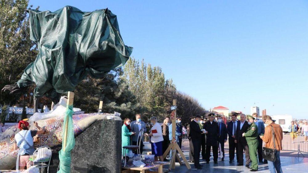 В Феодосии продолжается подготовка к открытию памятника Петру Котляревскому
