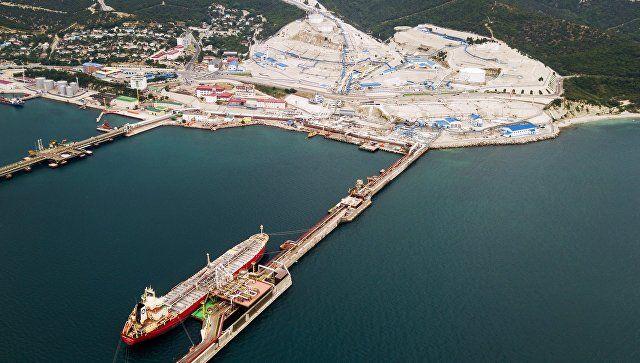 С танкера в Азове спасли 10 человек