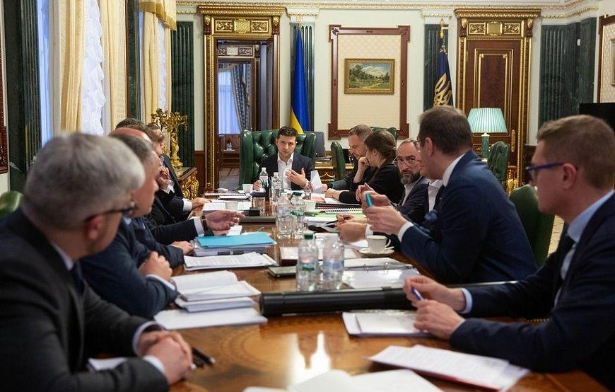 Офис Зеленского: выборы в Донбассе пройдут после восстановления контроля над территориями