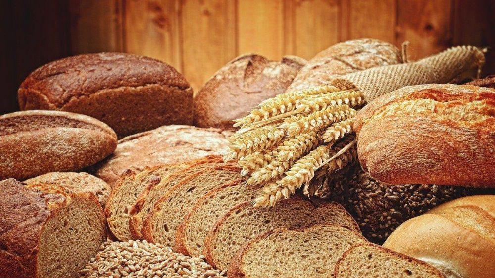 С 26 октября крымчане могут получить в электронном виде госуслугу по назначению и выплате ежемесячной денежной выплаты для приобретения социально значимых сортов хлеба
