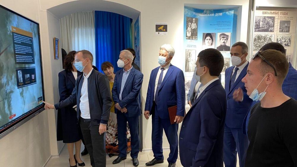 Открыта обновлённая экспозиция Музея дважды Героя Советского Союза Амет-Хана Султана в Алупке