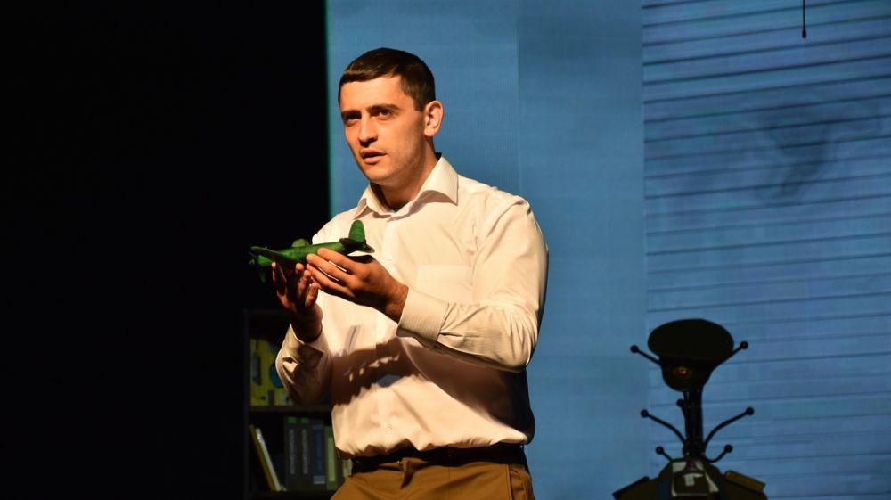 В Крымскотатарском театре состоялась премьера спектакля «Амет-Хан – небесный султан»