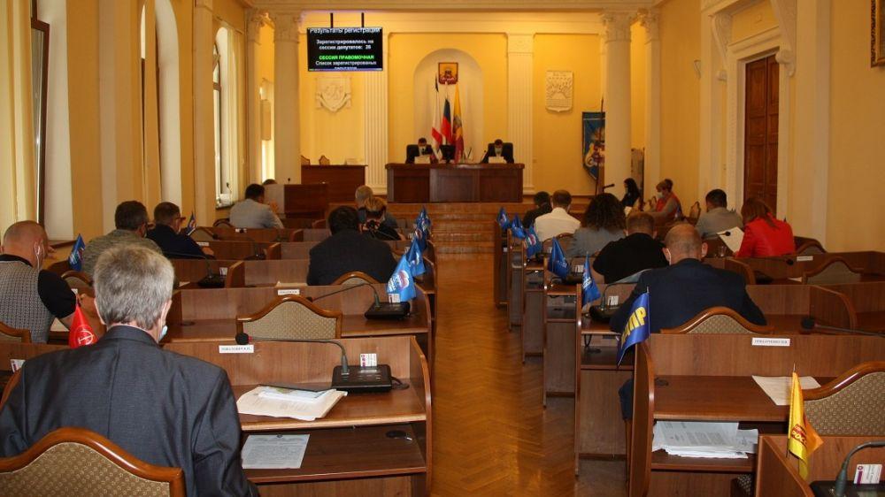 Депутаты Ялтинского городского совета прекратили полномочия главы администрации Ялты Ивана Имгрунта